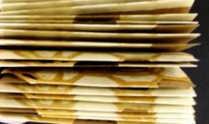 bee card pile