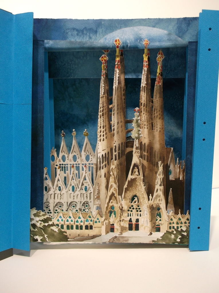sagrada familia_art book_tunnel 2